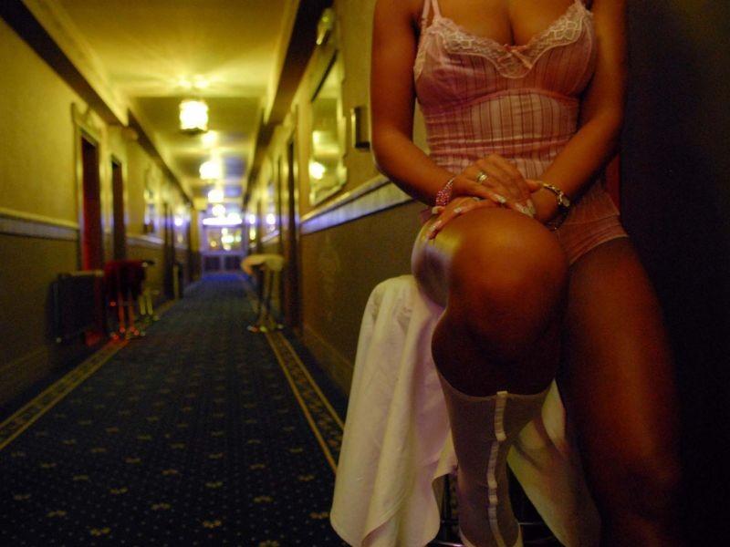 massaggi notturni frasi sulle prostitute
