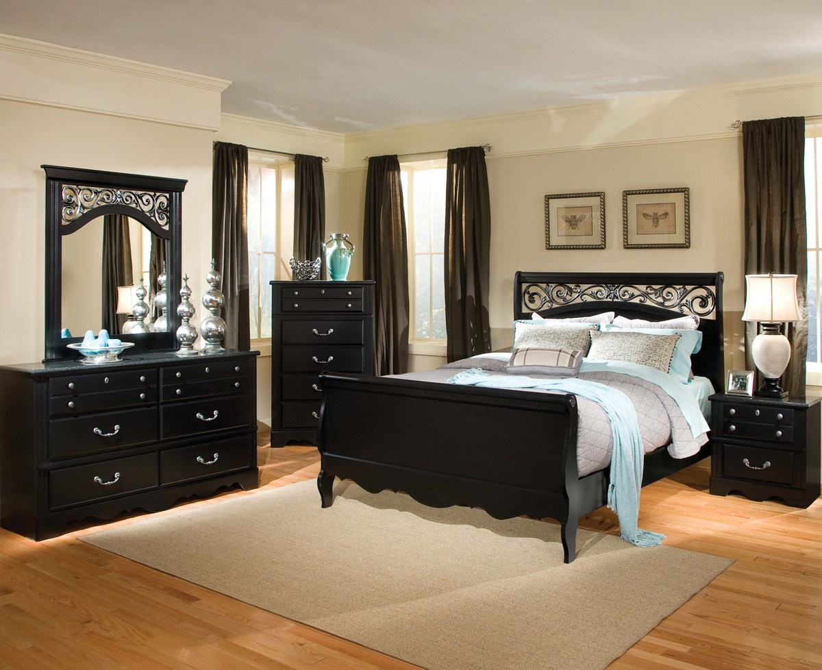 Black Bedroom Furniture For The Elegant Sense