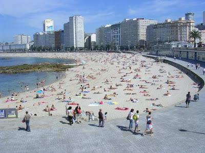 A Coruña playa de riazor