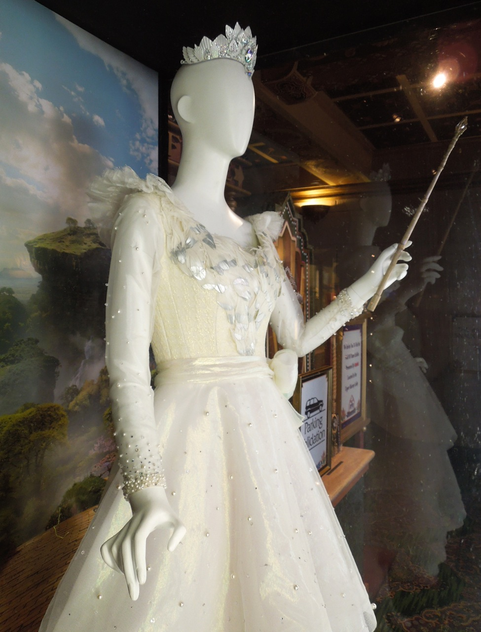 hollywood movie costumes and props michelle williams
