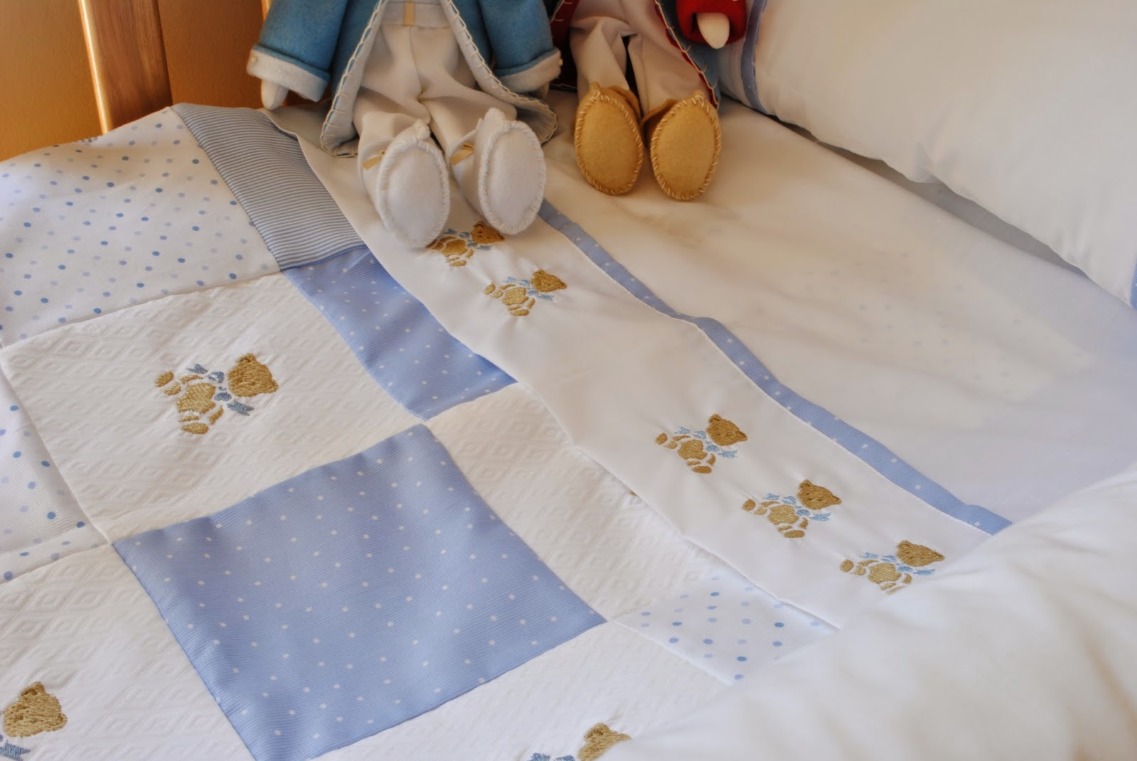 Paz montealegre decoraci n s banas bordadas para ni os - Sabanas para bebes ...
