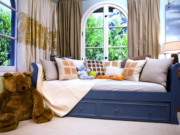 daybeds 2013 ideas from hgtv decorating idea