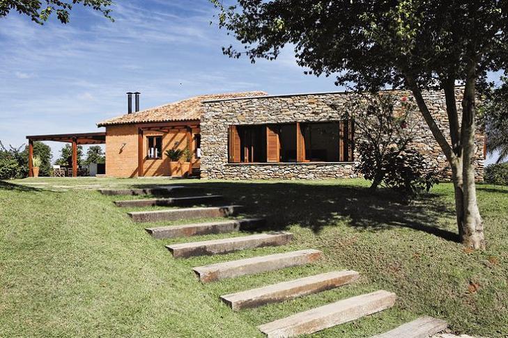 Modelos de fachadas de casas de campo for Fachada casa campo