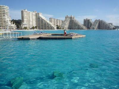 bassein 0015 أكبر و أنقى حمام سباحة في العالم بتكليف خمسة بلاين جنية استرليني  في تشيلي