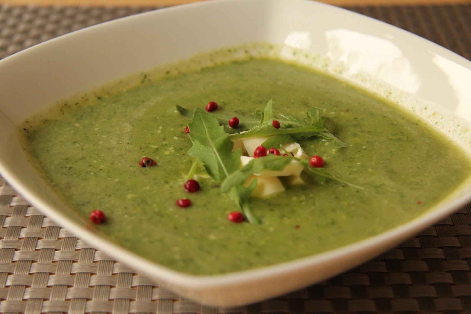 miam, maman j'ai faim!: soupe froide de courgette et pesto de roquette
