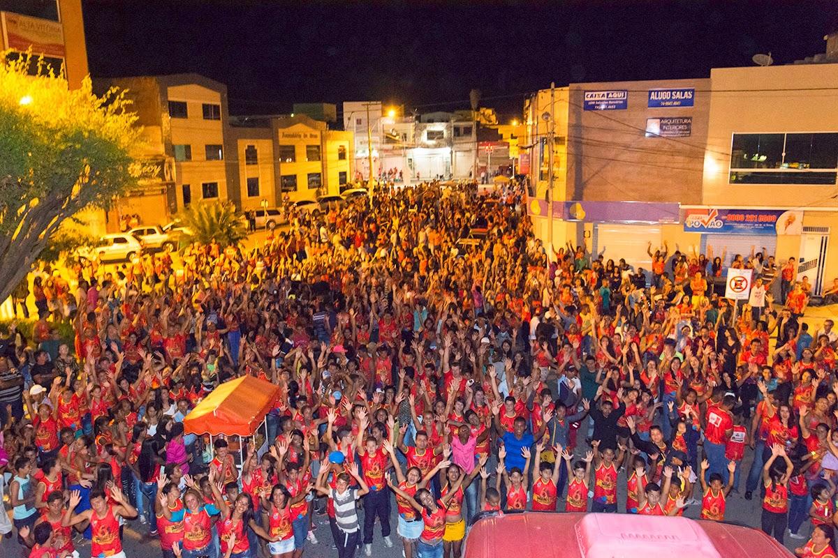 Marcha pra Jesus reúne milhares de pessoas em Irecê