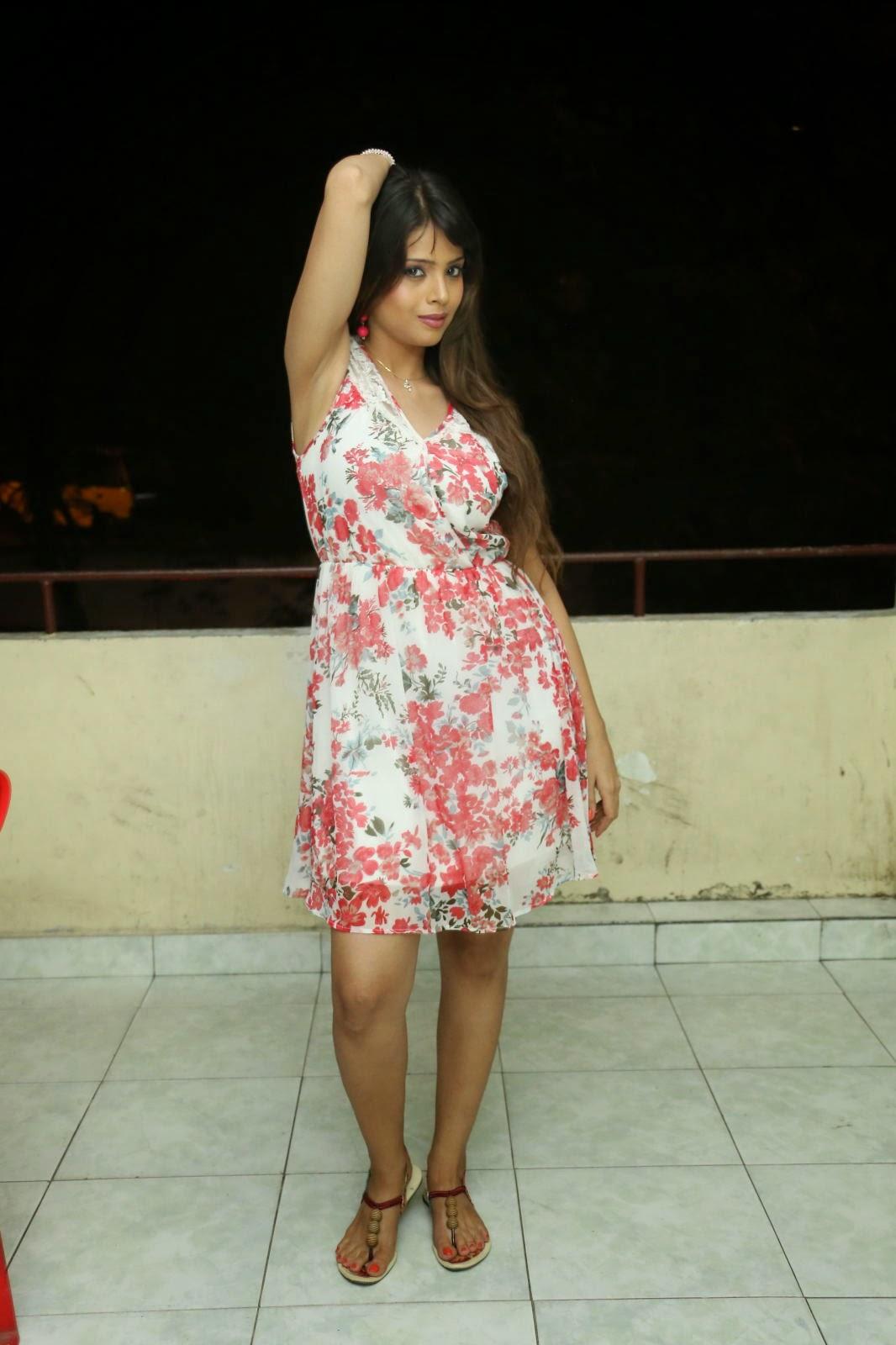 Komal sharma glamorous photos-HQ-Photo-16