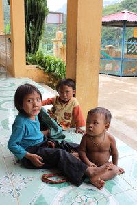 La Hủ ethnic children in Mường Tè