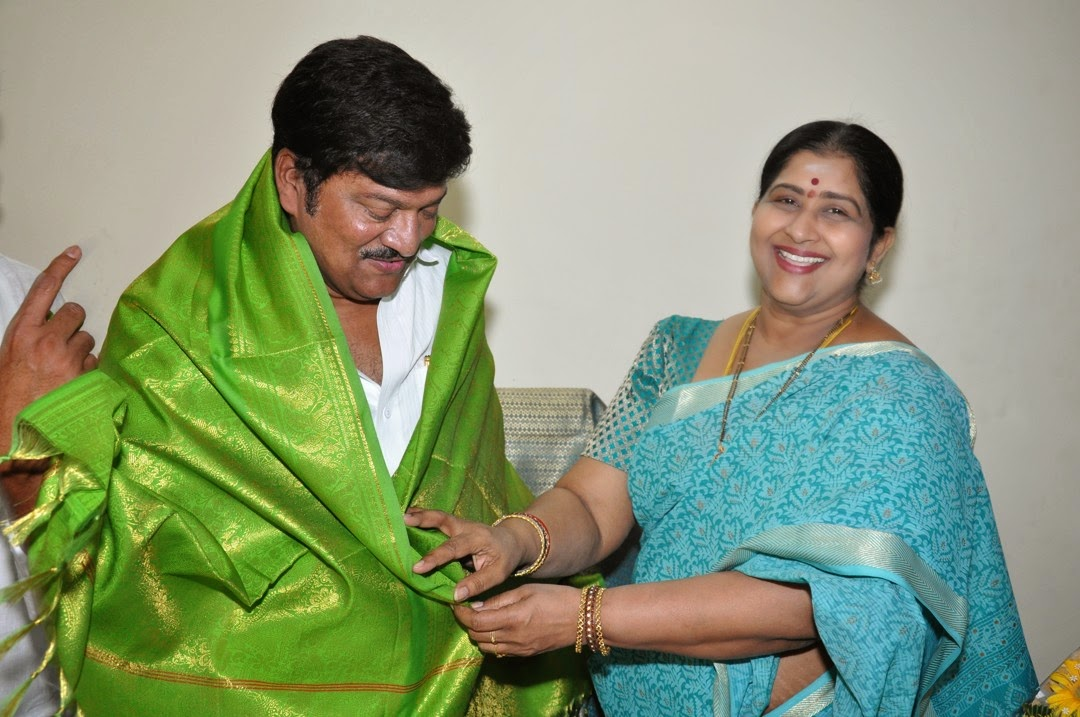 Maa President Rajendra Prasad Felicated by Tammineni and Others-HQ-Photo-2