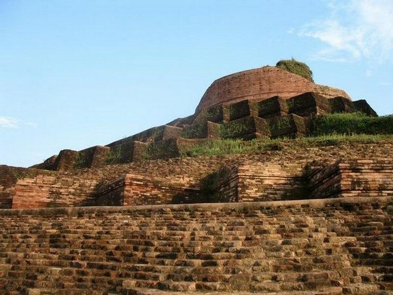 http://2.bp.blogspot.com/-DJHkKuBU07I/Td3WMlTYw4I/AAAAAAAABtk/gYU5yAfdGZo/s1600/Kesaria+-+World%2527s+Largest+Buddhist+Stupa+%25283%2529.jpg