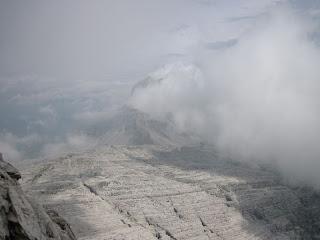 Erstaunliche Kalklandschaft auf der Ostseite des Brenta-Stockes