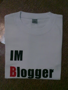 Buy T-Shirt (IM Blogger)