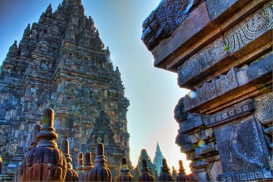 Borobudur, Prambanan si Ratu Boko