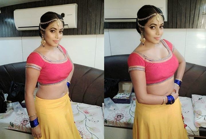 Actress Shamna Kasim aka Poorna Cute Hot Sizzling Exclusive Spicy PhotoShoot Gallery