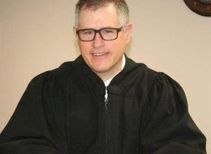 auto condena sonar móvil juicio juez