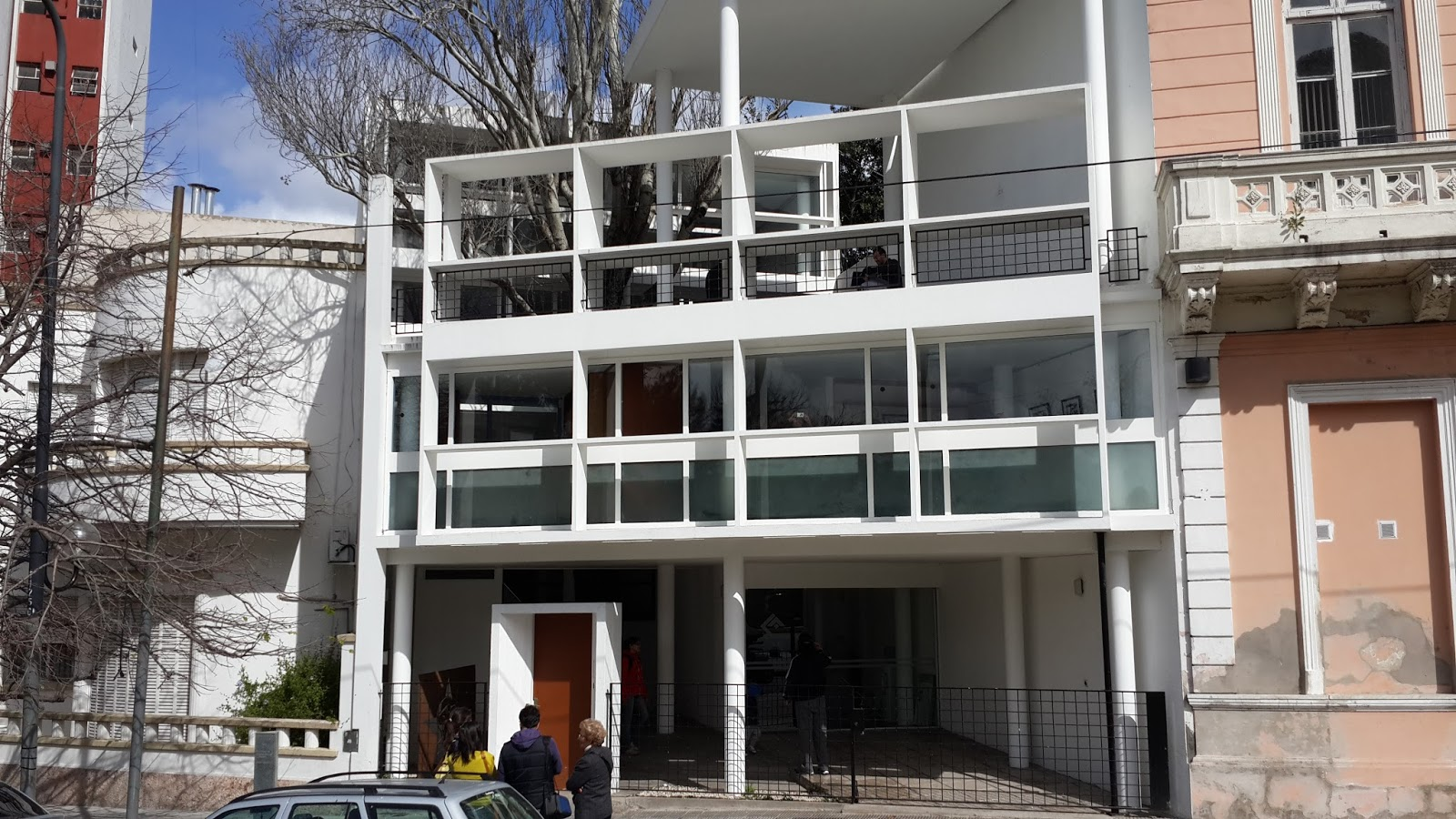 Por tierra por la tierra la casa curutchet le corbusier - Casas de le corbusier ...
