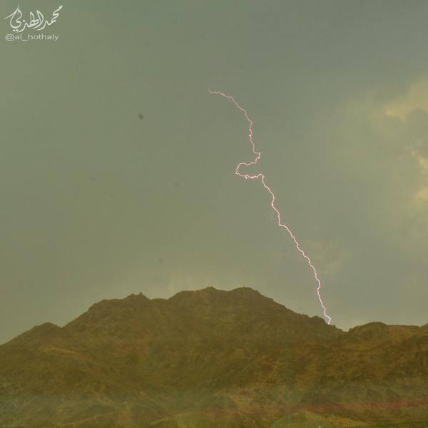 تساقط أمطار على السعودية في أغسطس