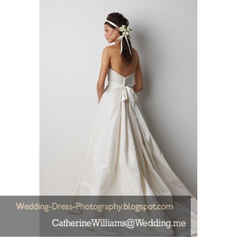 Stunning gowns, white wedding dress, bridesmaids dresses and plus size wedding  800 x 800 · 129 kB · jpeg