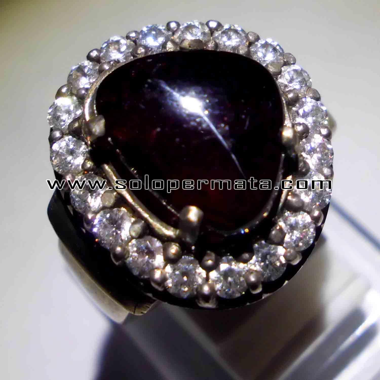 Batu Permata Garnet Cat Eye