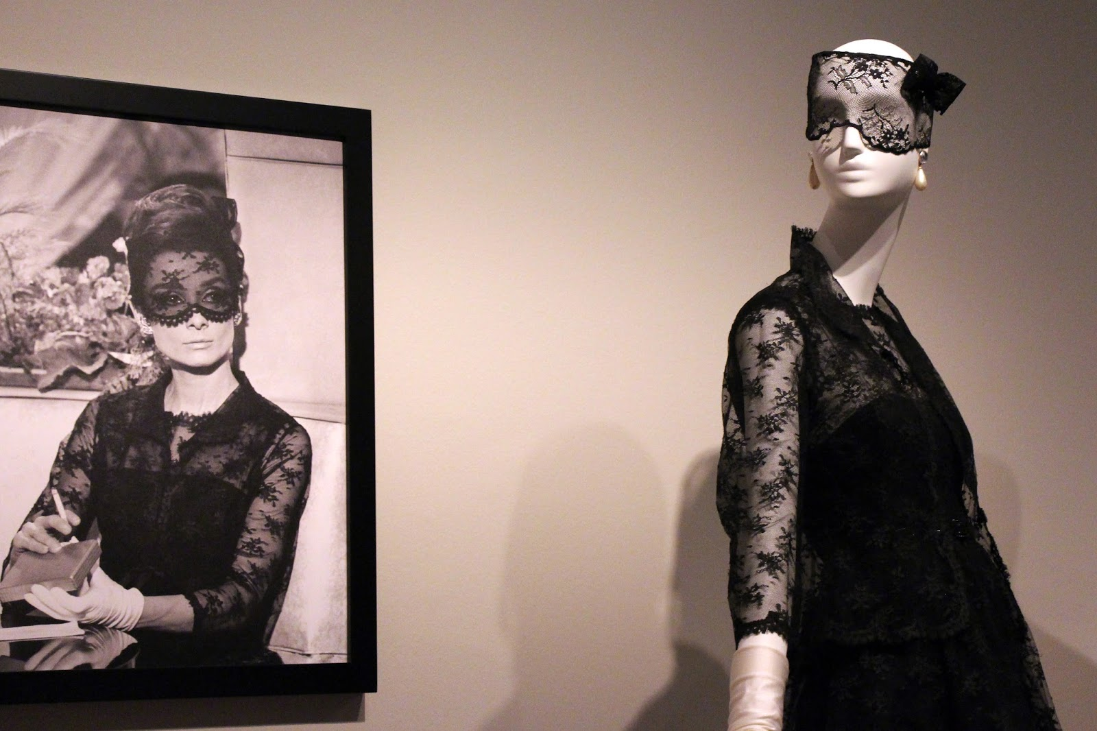 Miss Waters blogger blog Pamplona Givenchy Thyssen