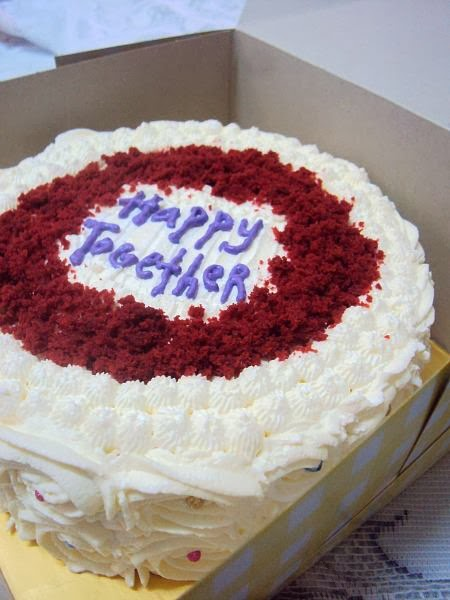 Untuk Tempahan : Red Velvet Cake With Cream Cheese Frosting