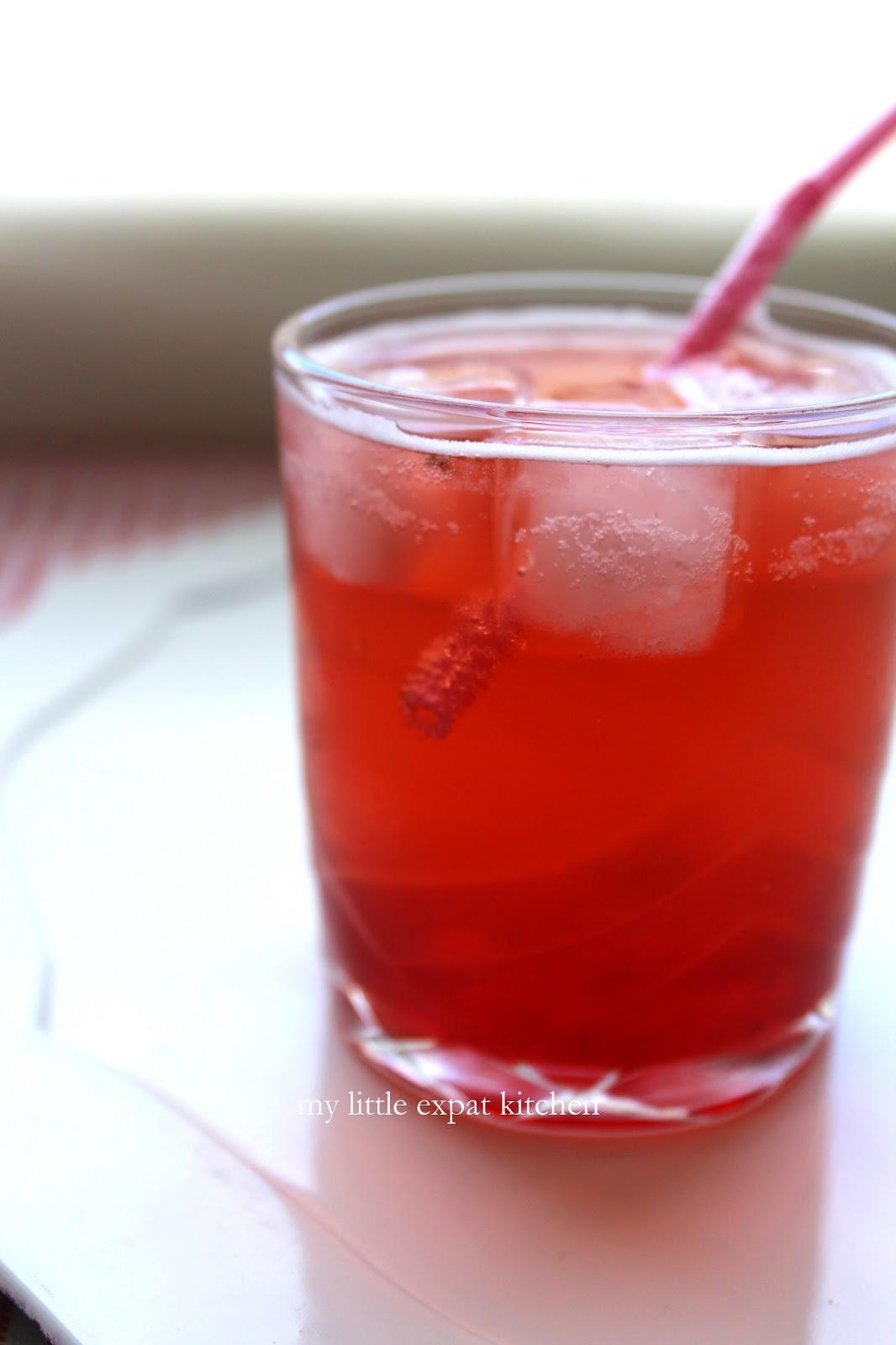 how to make strawberry liqueur