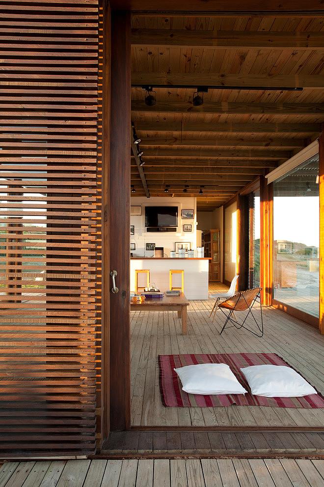 ispirazioni pavimento Patio : Una magnifica casa sulla spiaggia progettata per vivere appienole ...