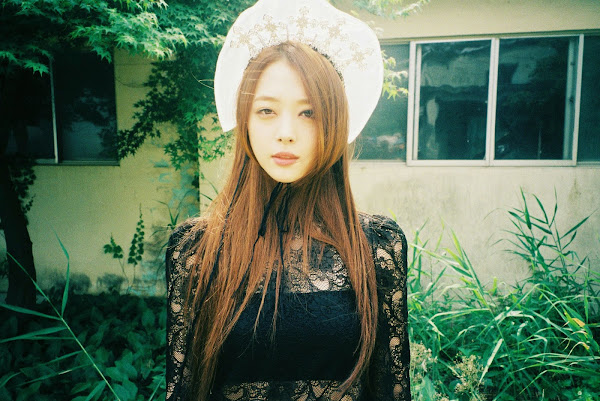 Sulli f(x) Red Light concept