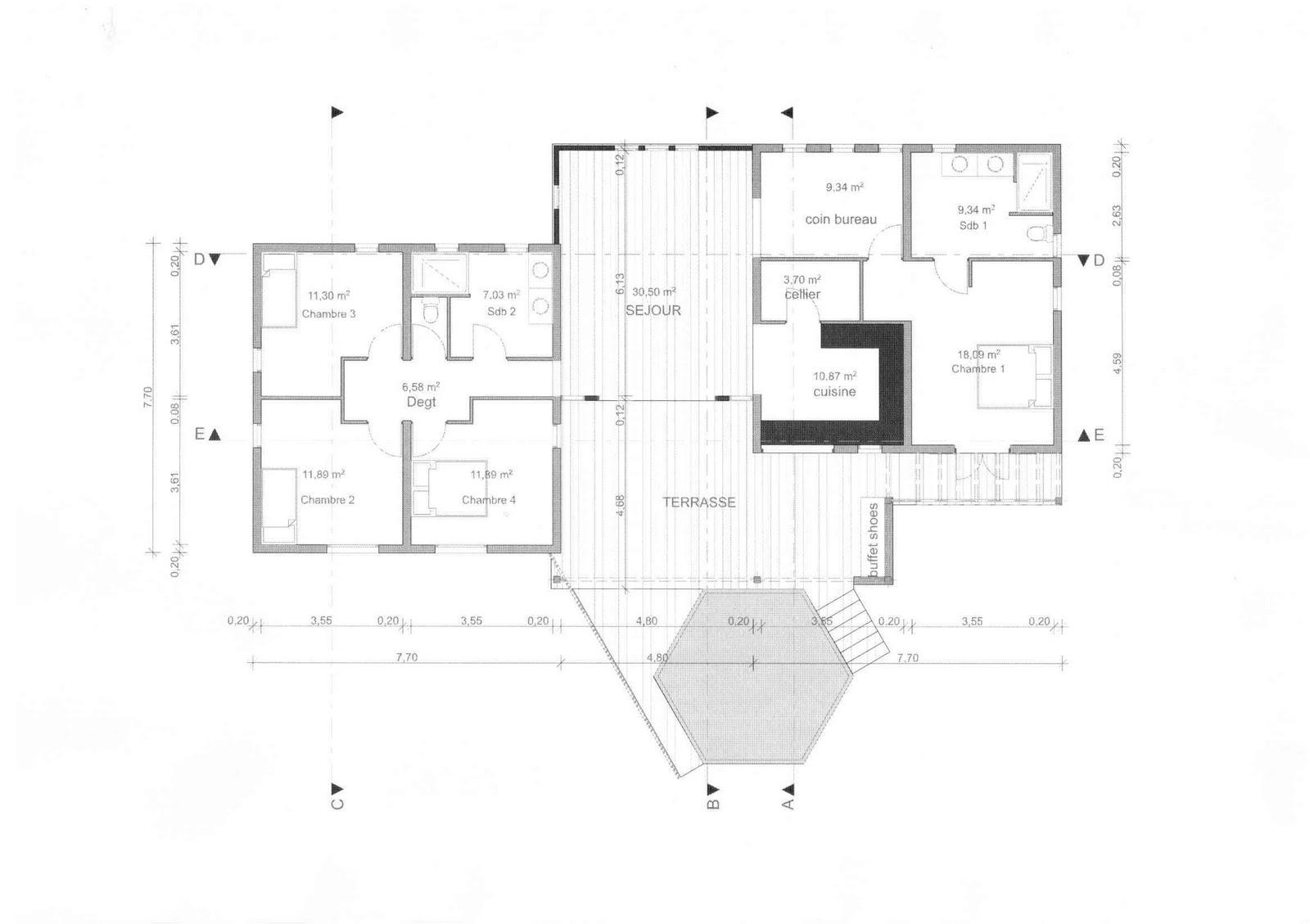 Plan de maison 3 chambres salon for Plan maison en l 4 chambres