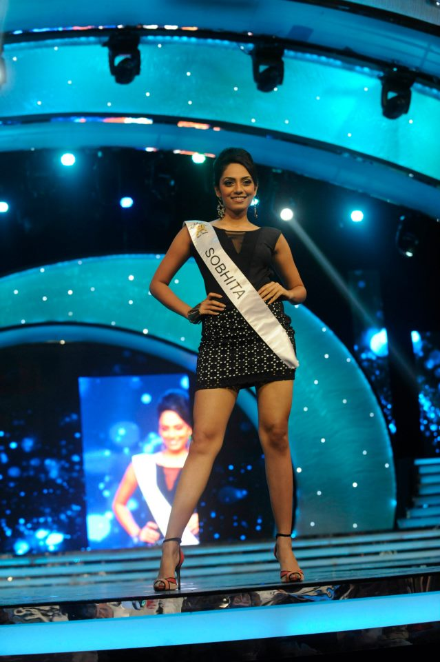Sobhita Dhulipala, 1st runner up of Pond's Femina Miss India 2013 and winner of Miss Digital Diva, Miss Dancing Queen and Miss Talented 2013 Titles, strikes a pose for the shutter-bugs during the Ponds Femina Miss India 2013 beauty pageant held at Yash Raj Studios in Mumbai on March 24, 2013.