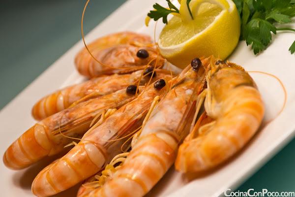 Como hacer langostino cocido en casa - CocinaConPoco.com