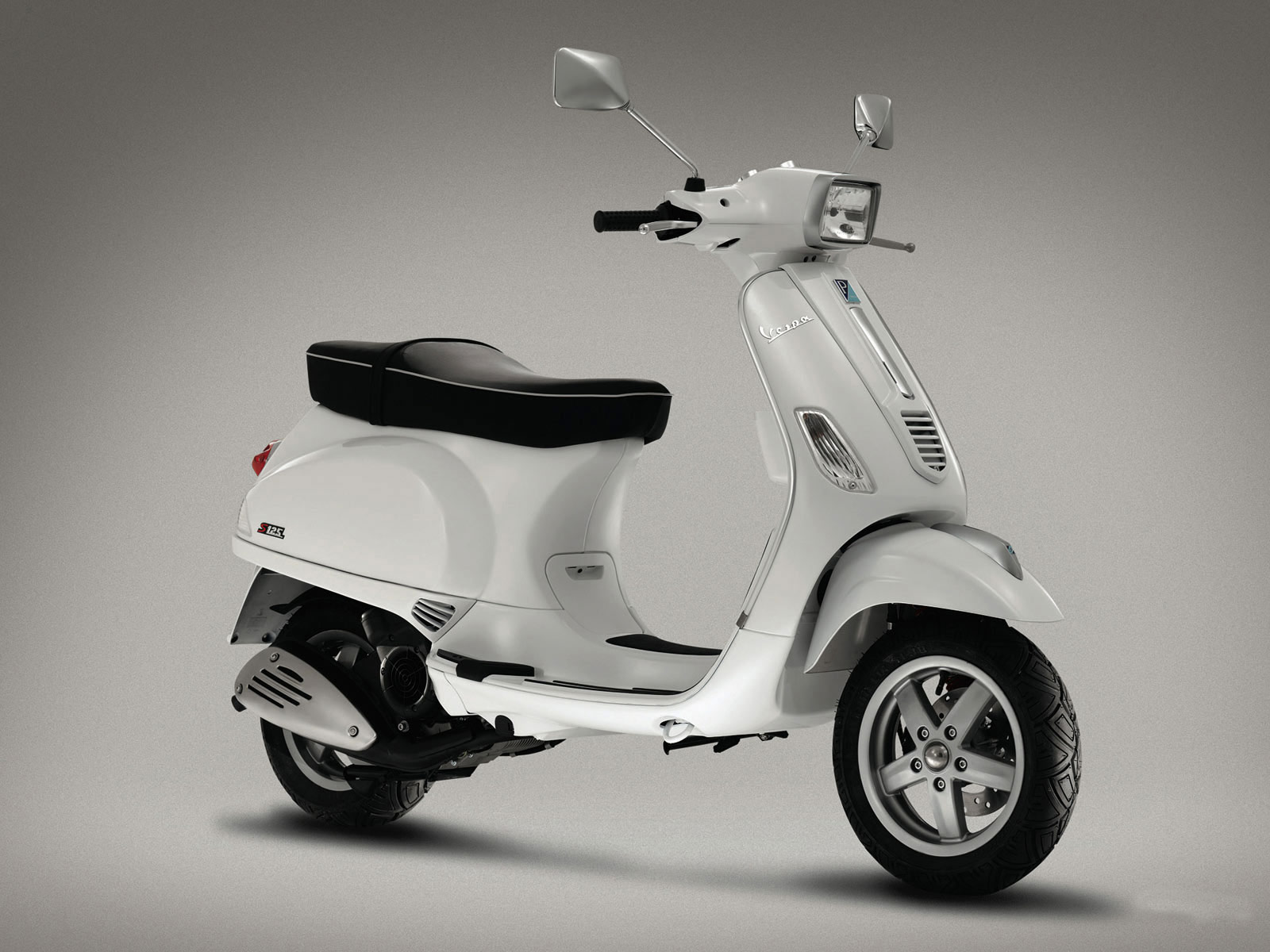 Vespa Scooters of Celebrities and Hot Hollywood Stars, Wallpaper