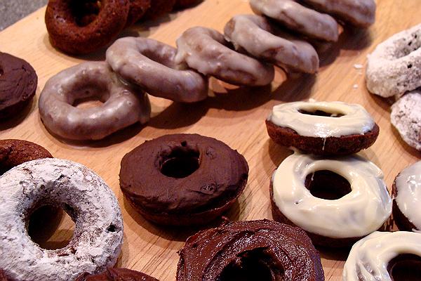 Jenny's Cookbook: Baked Mini Chocolate Cinnamon Doughnuts (aka donuts)
