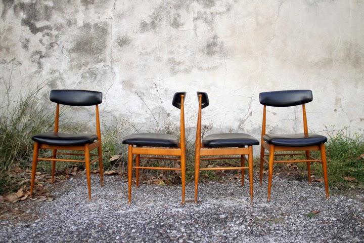 chicbaazar objets vintage 50 60 70 4 chaises scandinaves en teck vintage. Black Bedroom Furniture Sets. Home Design Ideas