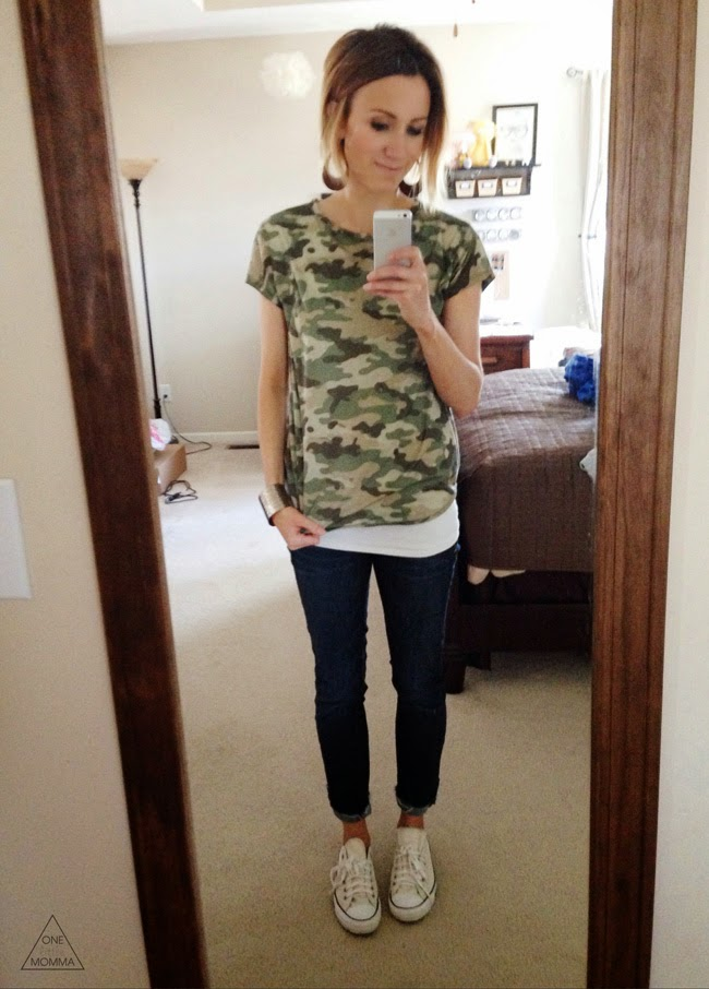 camo tee, dark denim and converse