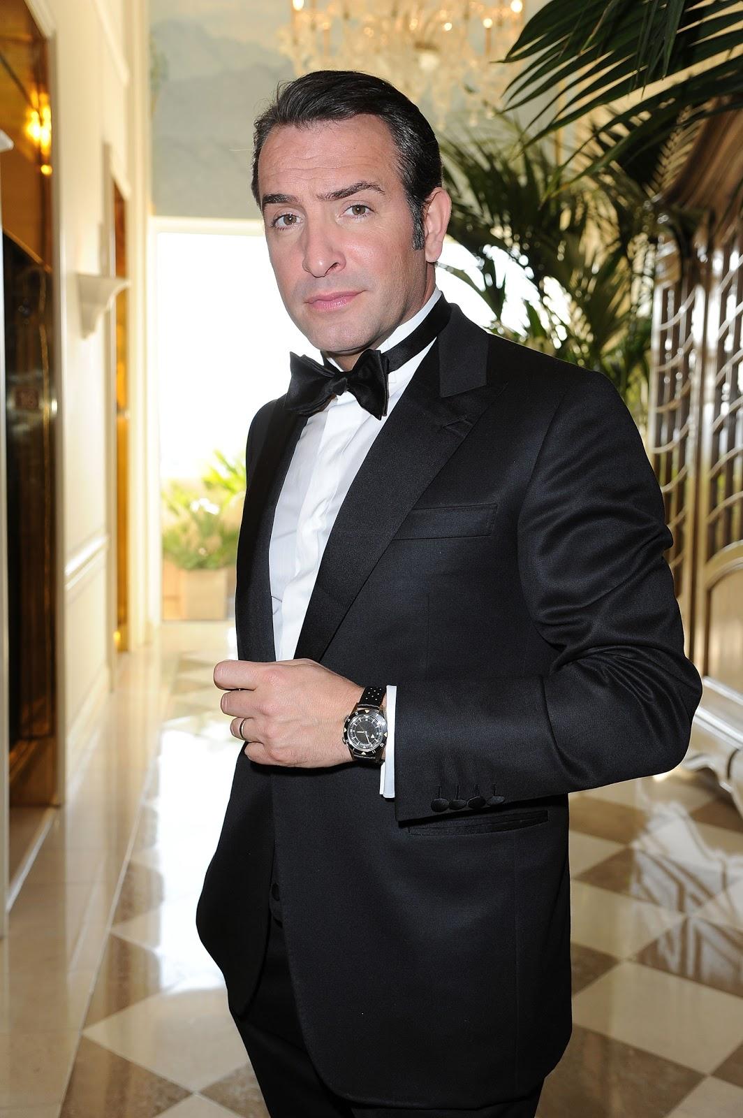 http://2.bp.blogspot.com/-DMUo3E2rr20/T0uepYaM3RI/AAAAAAAAhH0/XKDhaa9S56w/s1600/Jean_Dujardin_wearing_Jaeger-LeCoultre_Memovox_Tribute_To_Deep_Sea_at_Oscars_2012_%252540Pascal_Le_SegretainWireImage.jpg