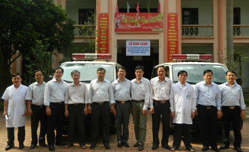 Hiệp Hòa tiếp nhận xe cứu thương do Ngân hàng BIDV tài trợ