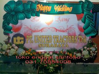 bunga papan ucapan banner untuk pernikahan