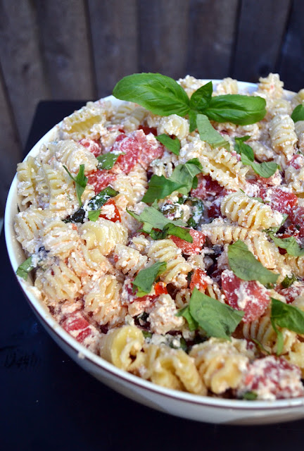 Pasta with Tomatoes, Ricotta and Fresh Herbs