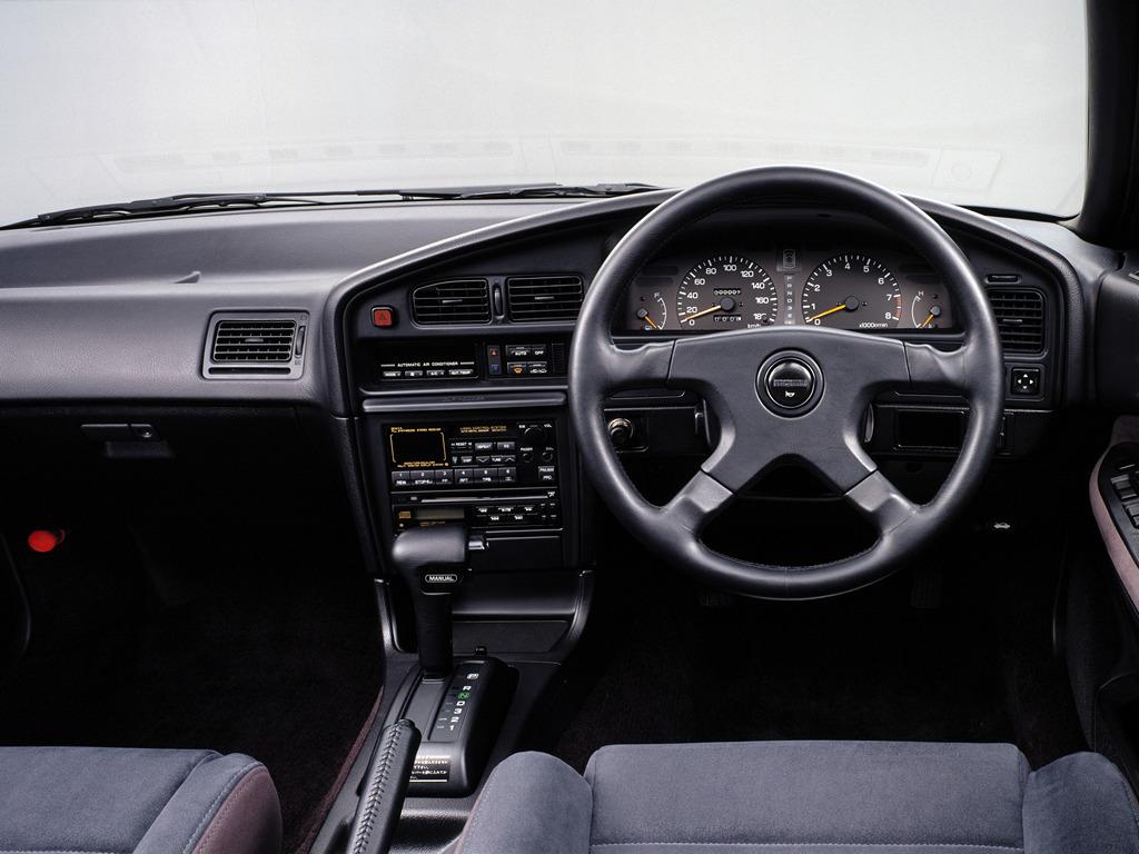 Subaru Legacy I-gen. 1989 1993 BC, BJ, BF, 日本車 チューニングカー スバル japoński samochód sedan boxer tuning zdjęcia wnętrze