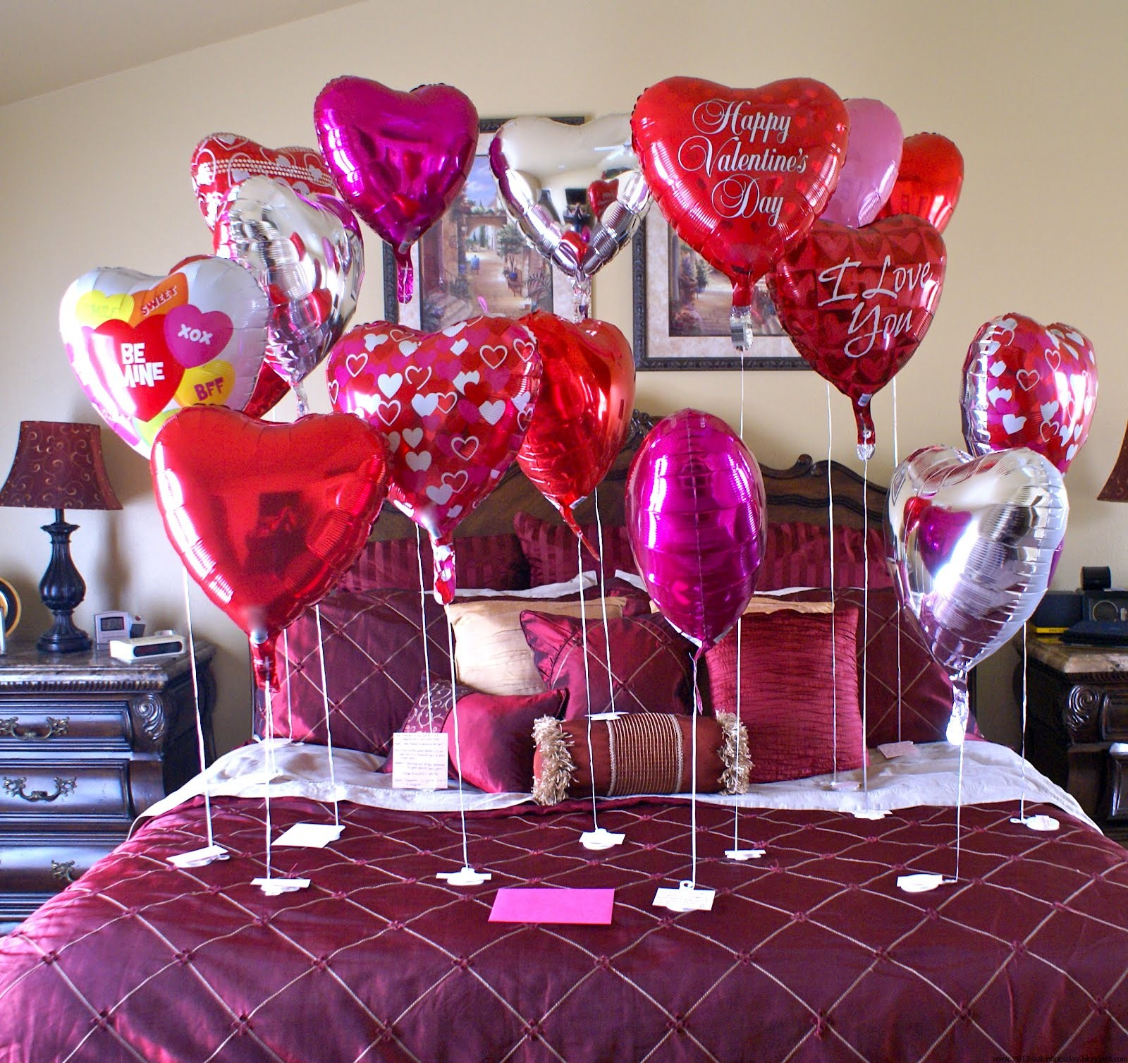 Valentine 39 s day bed room decoration ideas 2016 for Valentine decorations to make at home