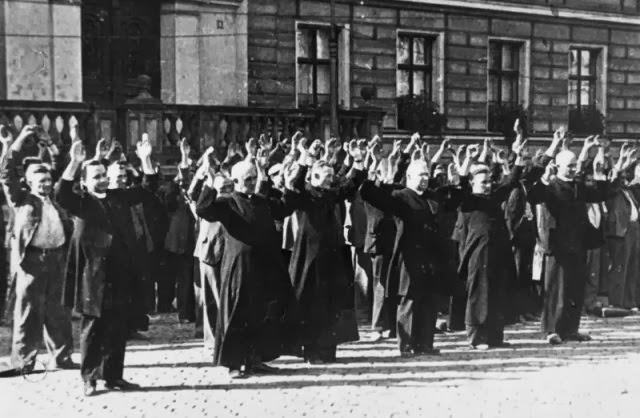 Execução pública do clero católico na Polônia