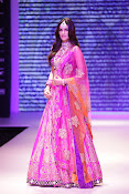Kriti Sanon Latest Pictures at IIJW 2015-thumbnail-9