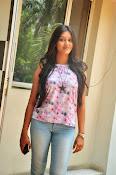 Pooja jhaveri new glam pics-thumbnail-5