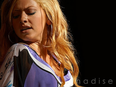 Hadise Hot Expression Wallpaper