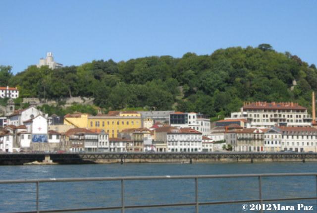 Vista do Porto, a partir da marginal de Gaia