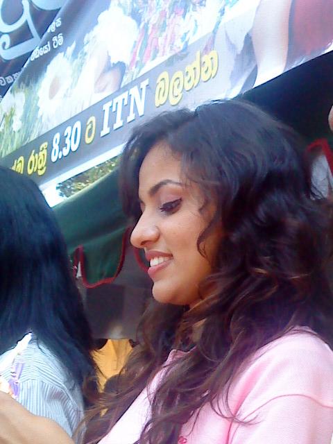 Sri Lankan beautiful odel actress Udari Warnakulasooriya sexy pictures in blue pants and short top extremely sexy legs