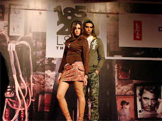 Perkembangan sejarah Celana Jeans, sejarah, Trend Center, Trend Fashion, Gaya hidup, celana jeans,