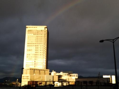 朝ジョグ中の虹