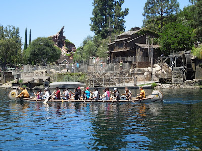 Davy Crockett Explorer Canoes Disneyland Splash Sawyer river